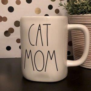 💥2/$30💥 Rae Dunn CAT MOM ceramic mug